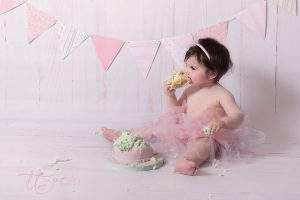 Cake Smash Session First Birthday Girl Tickle Toes Photography Dublin Kildare Meath